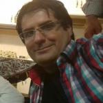 یاسین اکبری